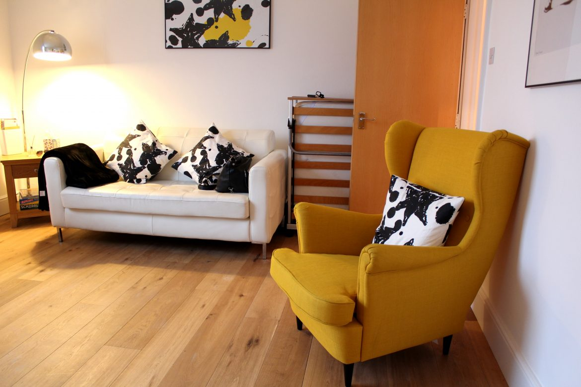 Airbnb UK, Southampton Airbnb, Best UK Airbnb, Huesofme blog, First Airbnb experience in UK